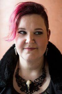 Kirjailija Anni Kuu Nupponen. Kuva Hanna Poropudas.