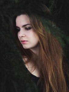 Kirjailija Elina Pitkäkangas.